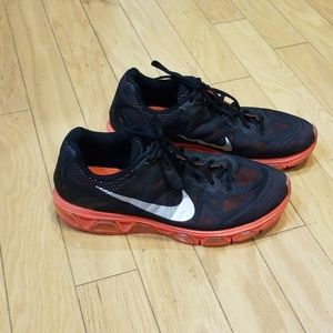 Nike Tailwind 7 - Black & Orange Sz 11.5